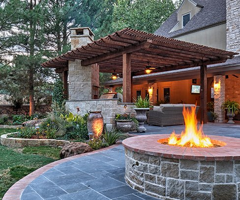 GO Designs El Paso offers traditional residential landscaping services, from maintenance, design, construction, and more.